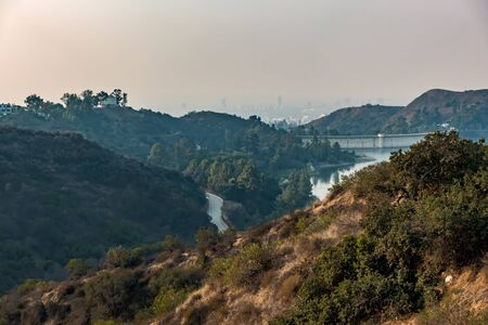 hollywood hills and surrounding landscape near los angeles 免版税图像