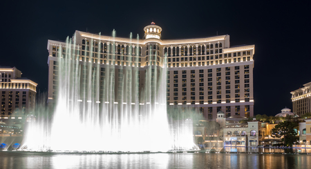 Bellagio Resort water fountain show at night