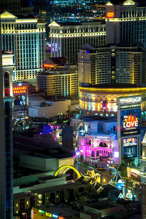night time on als vegas strip in nevada