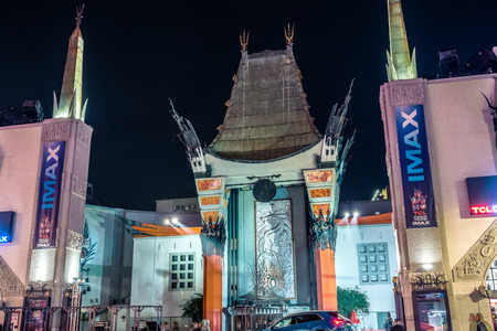 Grauman's Chinese Theater on hollywood blvd los angeles at night Zdjęcie Seryjne - 127811589