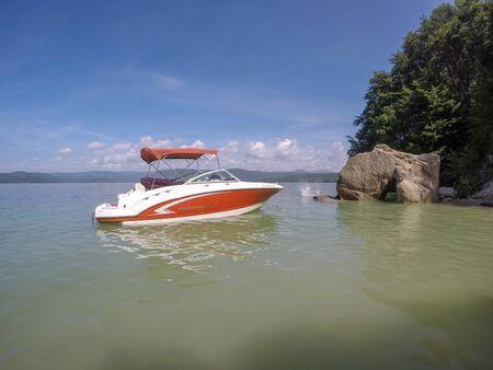 boating around lake jocassee south carolina Zdjęcie Seryjne
