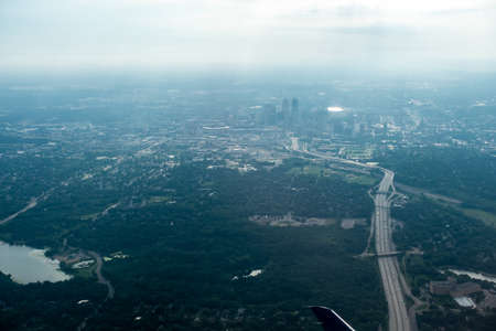 above the clouds and above minneapolis minnesota from airplane 版權商用圖片 - 153310031