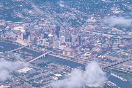 aerial view of major american city minneapolis minnesota 版權商用圖片 - 153271171