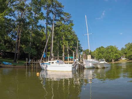 beautiful scenes on lake wateree in south carolina 版權商用圖片 - 153170093