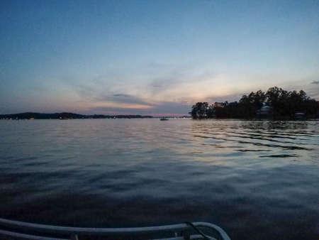 beautiful scenes on lake wateree in south carolina 版權商用圖片 - 153170301