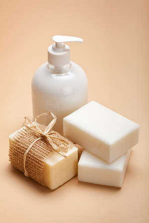jabon liquido: Jabón blanco - líquido y barras