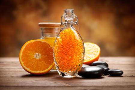 オレンジ色の果物やスパの鉱物