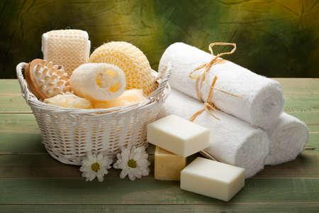 Spa - blanc accessoire serviettes, savon et massage Banque d'images