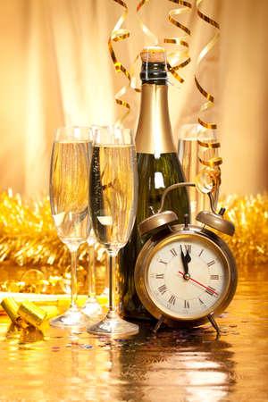 nowy rok: Nowy Rok - szampan, dekoracje i zegar twarz