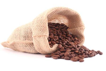 coffe bean: Granos de caf� y caf� lienzo bolsa aislado en blanco