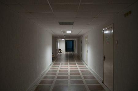 corridoi: Corridoio vuoto Archivio Fotografico