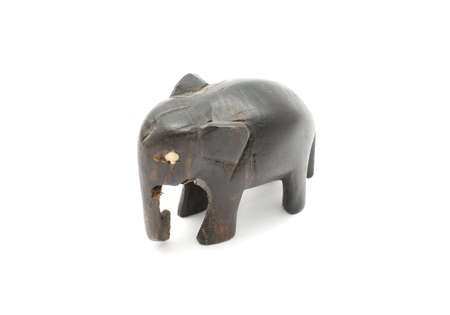 bois �b�ne: Elephant �b�ne isol�s sur fond blanc