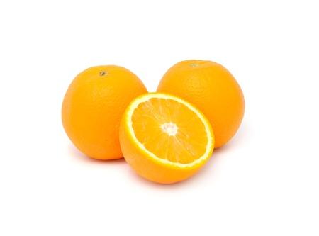 naranjas: Jugosas naranjas aisladas sobre fondo blanco Foto de archivo