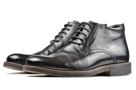 Men Classic Black Leather Schuhe auf weißem Hintergrund