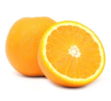 naranjas: Jugosas naranjas sobre fondo blanco