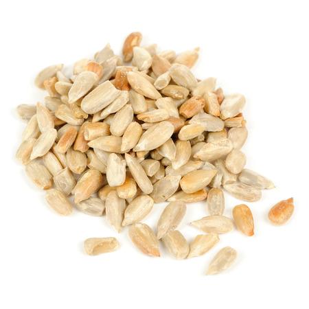 zonnebloem kiemen: Geschilde zonnebloem zaden geïsoleerd op wit