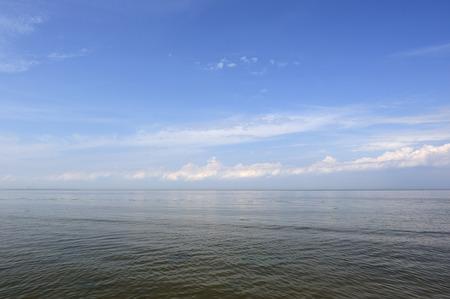 endlos: A beautiful calm sea under a blue sky