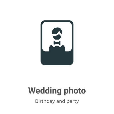 Wedding photo vector icon on white background. Flat vector wedding photo icon symbol sign from modern birthday and party collection for mobile concept and web apps design. Ilustracja