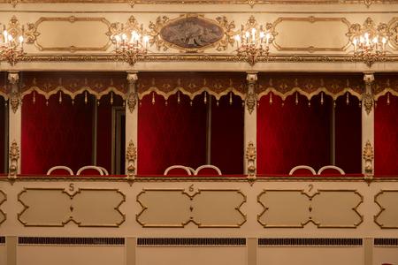 Theater, binnenaanzicht, balkons, Cremona, Italië