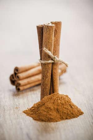 cinnamon bark: cinnamon sticks and powder