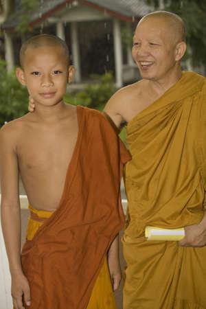 buddhismus: buddhist monk and a novice, Laos