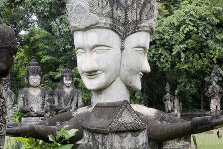 parking facilities: Figuras de Buda de piedra, Thailandi  Foto de archivo