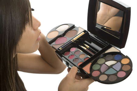 seem: Teenager make up, cosmetics to seem more attractive