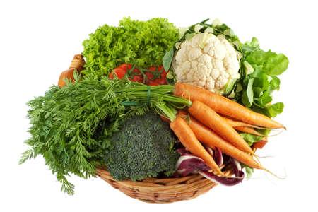 coliflor: Cesta con verduras coloridas  Foto de archivo