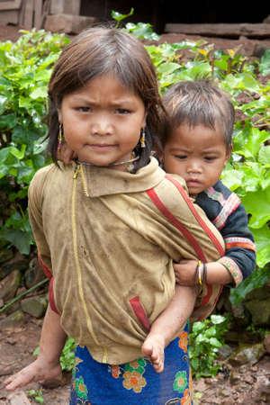 strenuous: Children in poverty