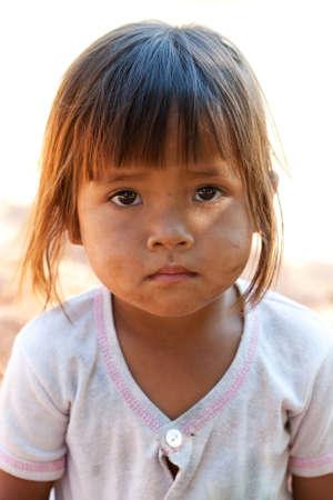 pauvre: cute girl asiatique Banque d'images