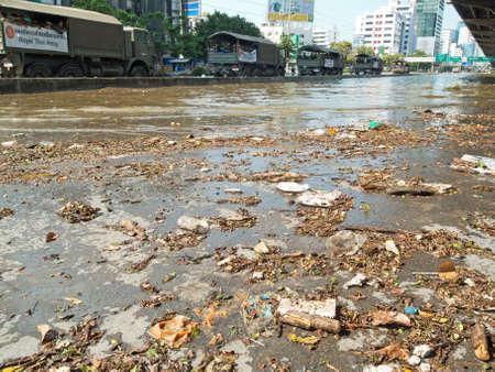 encroaching: Bangkok, Thailand - November 8, 2011: Heavy flooding in Thailand since July is slowly encroaching on the capital, Bangkok on the 8 of November 2011 at Don Muang area in Bangkok.