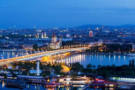 Wien, Luftbild bei Nacht