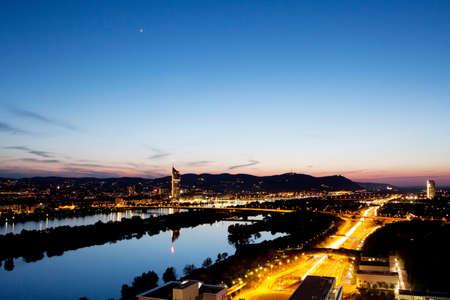 Vienna Luftbild in der Dämmerung