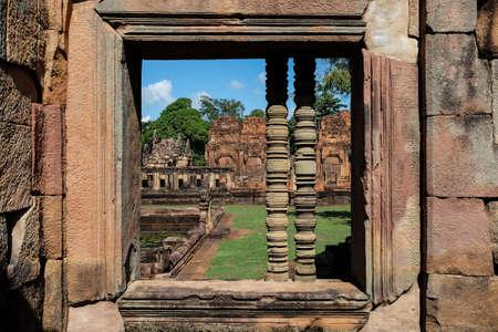 tam: Khmer Temple Prasat Mueang Tam