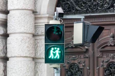 tolerance: Traffic light Vienna for more tolerance
