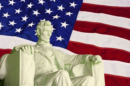statue of abraham lincoln against the American flag Banco de Imagens