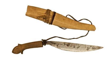 scheide: handgefertigtem orientalischem Kampfmesser mit Scheide isoliert auf wei�