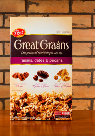 RIVER FALLS,WISCONSIN-JANUARY 3,2014: Photo of a box of Post Great Grains cereal. Post cereals was founde by C. W. Post in 1895 Publikacyjne
