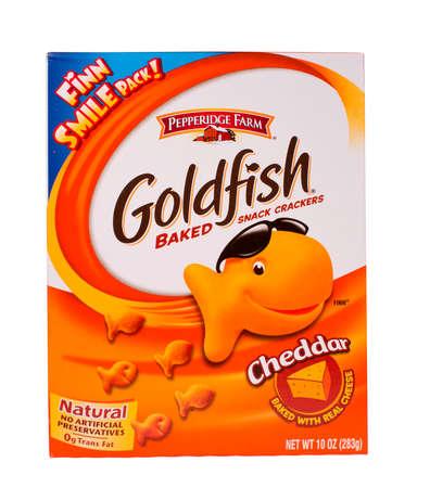 River Falls, Wisconsin-februari 19,2014: Een doos van Goldfish snack crackers. Goldfish worden vervaardigd door Pepperidge Farm, een divisie van Campbell Soup Company. Redactioneel