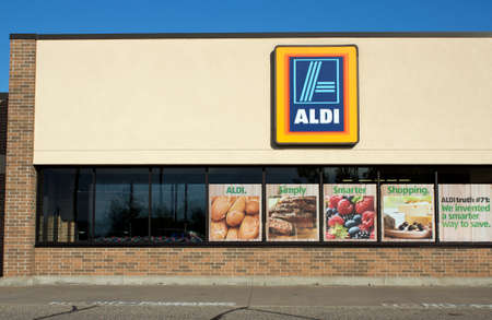 RIVER FALLS,WISCONSIN-OCTOBER 02,2014: Aldi retail storefront. Aldi is a discount grocer based in Germany.