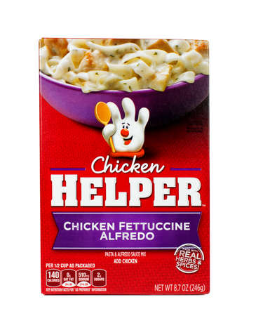 herbs boxes: RIVER FALLS,WISCONSIN-SEPTEMBER17,2015: A box of Fettuccine Alfredo Chicken Helper. This is a product distributed by Betty Crocker.