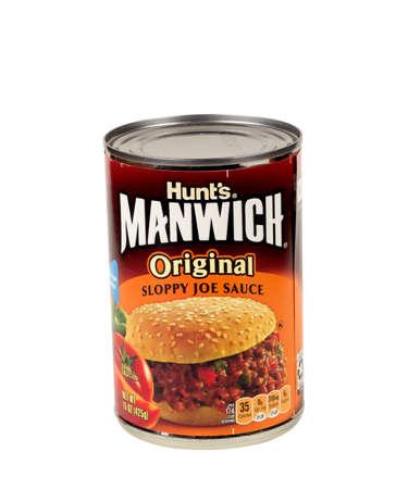 sloppy: RIVER FALLS,WISCONSIN-DECEMBER 06,2015: A can of Hunts brand Manwich original sloppy joe sauce.