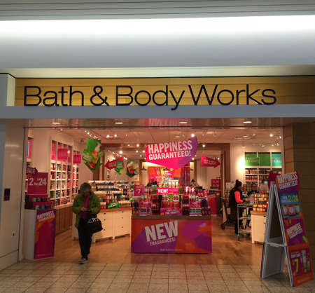gels: RIVER FALLS,WISCONSIN-FEBRUARY 12,2016: The Bath & Body Works sign and retail store, Bath & Body Works is headquartered in Columbus,Ohio. Editorial