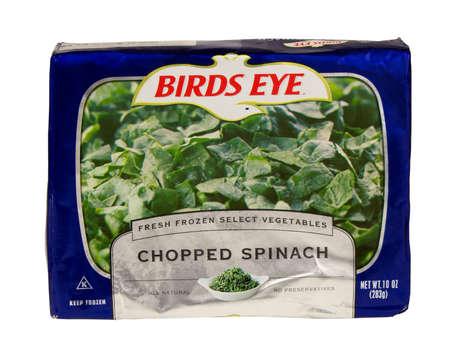 birds eye: RIVER FALLS,WISCONSIN-MAY 24,2016: A bag of frozen chopped spinach by Birds Eye.