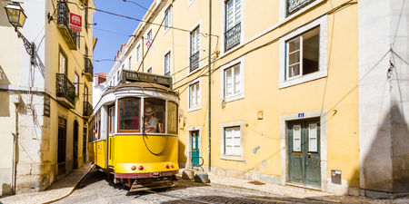 electrico: Eletrico Tram in Alfama, Lisbon, Portugal