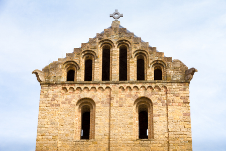 The Monastery of Santa Maria de Ripoll (rebuilt 1886) is a Benedictine monastery in Ripoll, Catalonia, Spain Banco de Imagens