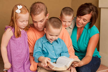 Happy loving parents and thier childern. Foto de archivo