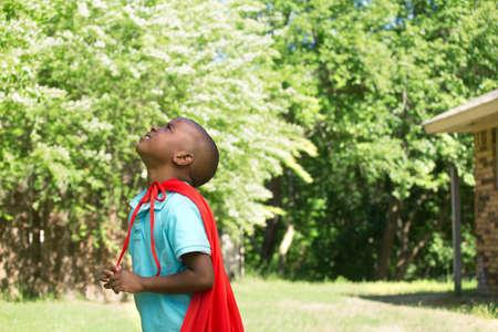 작은 소년 슈퍼 영웅입니다. 스톡 콘텐츠