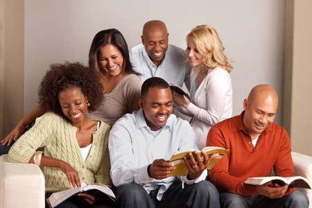 Diverse group of friends reading. Banque d'images