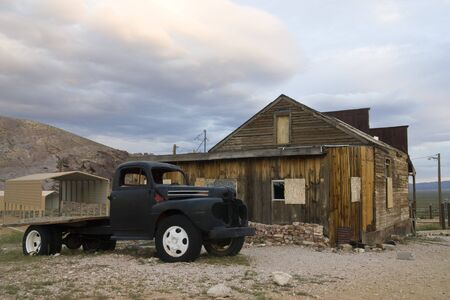 ghost town: Rhyolithe ghost town in Nevada